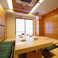祇園の風情を感じながら寛ぐ、一軒家の馬肉料理専門店