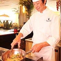 """「食の都 大阪」にふさわしく、""""食の楽しさ""""を盛り込んだ、季節感あふれるブッフェ"""