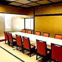 慶事・法事・各種宴会にも最適な個室を完備しております