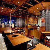 東京駅の駅舎を望む席や完全個室で、最上級の「伊勢牛」を堪能