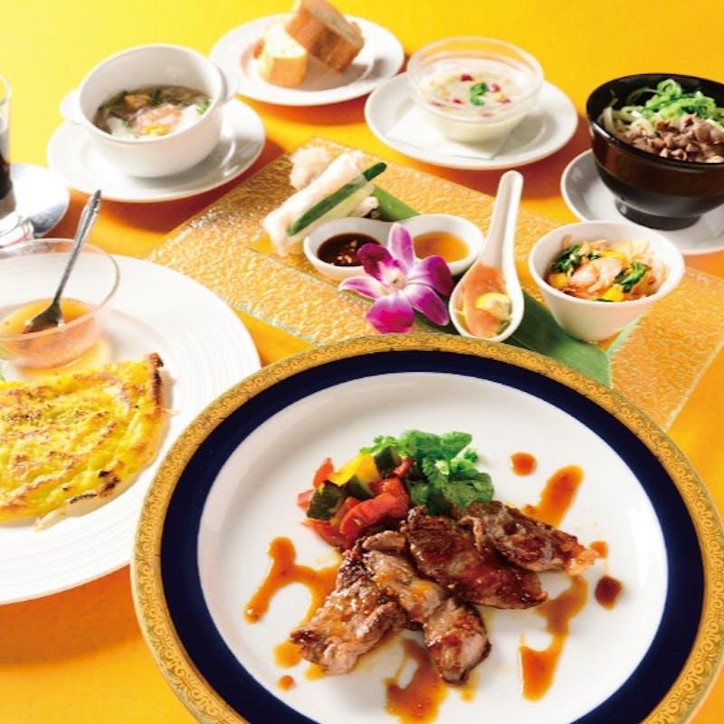 【ホーチミンコース】ベトナム前菜4種、パインセオ、イベリコ豚など全7品+乾杯ワンドリンク付き