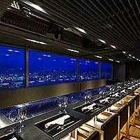 鉄板焼のスタイルは調理する側もお客様にとっても理想的なレストランの形