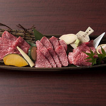 牛の知識を兼ね備えたスタッフが最高のお食事をサポート