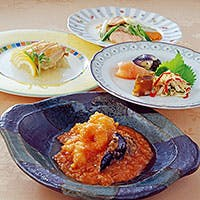 旬の香り漂う海鮮食材を、都市の発展とともに進化を遂げた上海料理