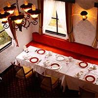 賑わいの鵠沼通りに、静かなたたずまいをみせる一軒家レストラン