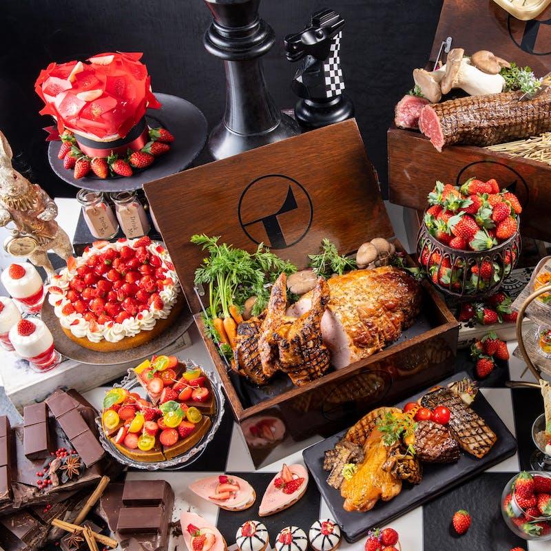 【土日祝】選べるメイン料理付き!アリスの苺スイーツ&ランチビュッフェ+いちごドリンク(GW2021)