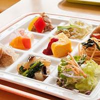 カラダに優しい野菜を中心とした料理が常時40種類以上