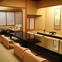 閑静な京都の文化と歴史の薫り高い高台寺畔に佇む、京料理旅館 高台寺 よ志のや
