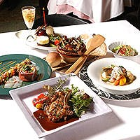 こだわりの厳選食材を使用した、シェフの優しいイタリアン・フレンチ料理