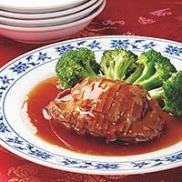 重慶飯店スターシェフ、陳一明が創り出す、麻・辣・酸・甜・苦・香・鹹の一皿を。