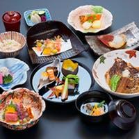 素材の滋味を活かした、季節と心を盛り込んだ温かみある京料理を