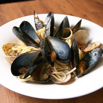 【土曜限定】本格イタリアン!前菜の盛合せや選べるパスタorピッツァ、お肉料理含むボリューム満点ランチ