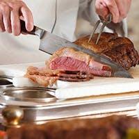季節の地場の食材をふんだんに使用した本格的なホテルブッフェ