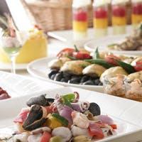 地元の有機野菜や魚などを取り入れた小田原ならではのお料理をご提供