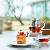 10種類以上の紅茶、メニューにはないチョコレートの盛り合わせ