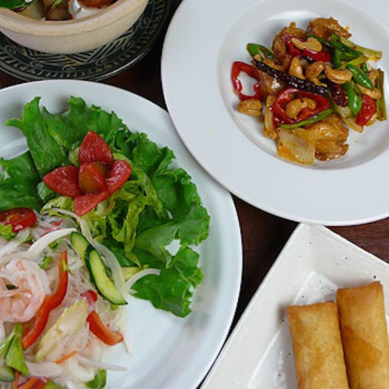 【チェンマイコース】トムヤムクンスープ、選べるメインなど全7品(鴨川納涼床確約)