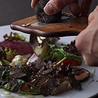 徹底した「素材主義」 素材本来のの魅力を十分に引き出した本格イタリア料理
