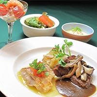 フランス料理をベースにイタリアンや和風の料理にチャレンジ