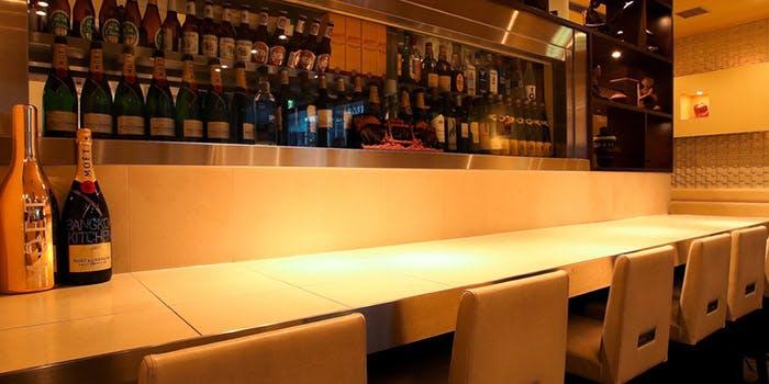 記念日におすすめのレストラン・バンコクキッチン 新宿店の写真1