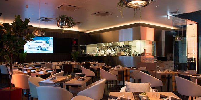 記念日におすすめのレストラン・Mercedes me Tokyo UPSTAIRSの写真1