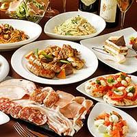 季節の食材をたっぷり使ったアラカルトやデザートをお楽しみください