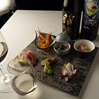 オーナーシェフ茶谷の奏でる本格イタリア料理と、ソムリエのマダム厳選ワインや日本酒とのマリアージュ