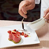 本場フランスの星付レストランを経験したシェフが贈る、食べて美しい健康になる洋食の品々