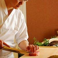 老舗連なる日本橋室町に新しくオープンした日本料理店