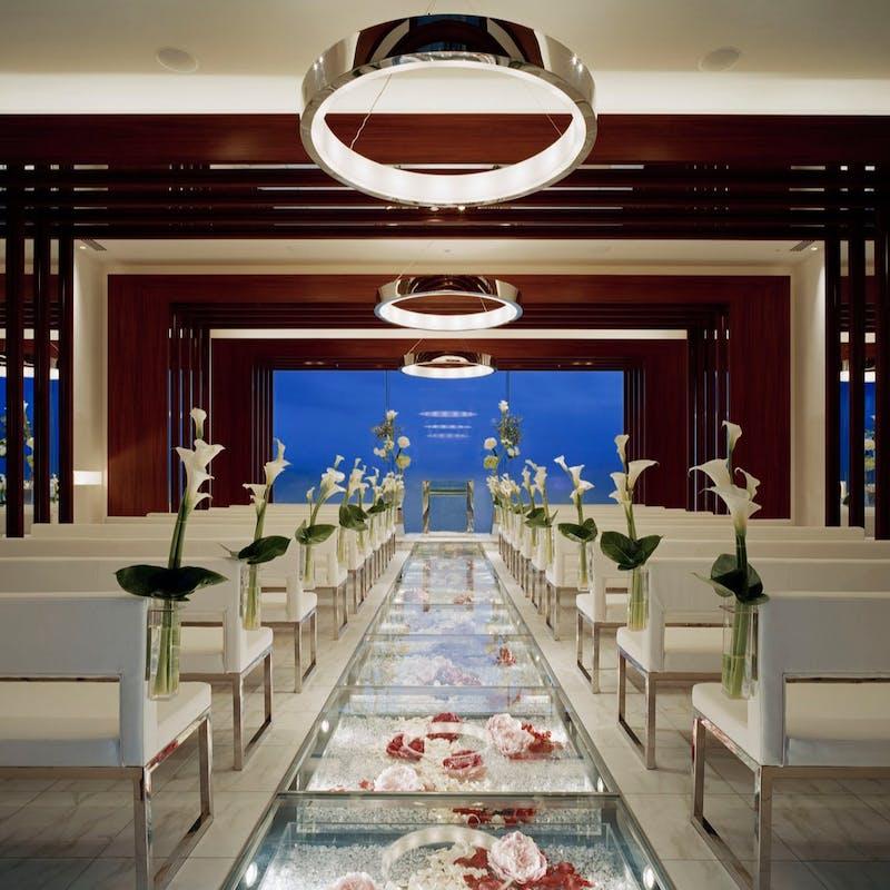 【プロポーズプラン】専属プランナーがサポート特別ディナー+乾杯酒+個室使用料+バラ5本の花束