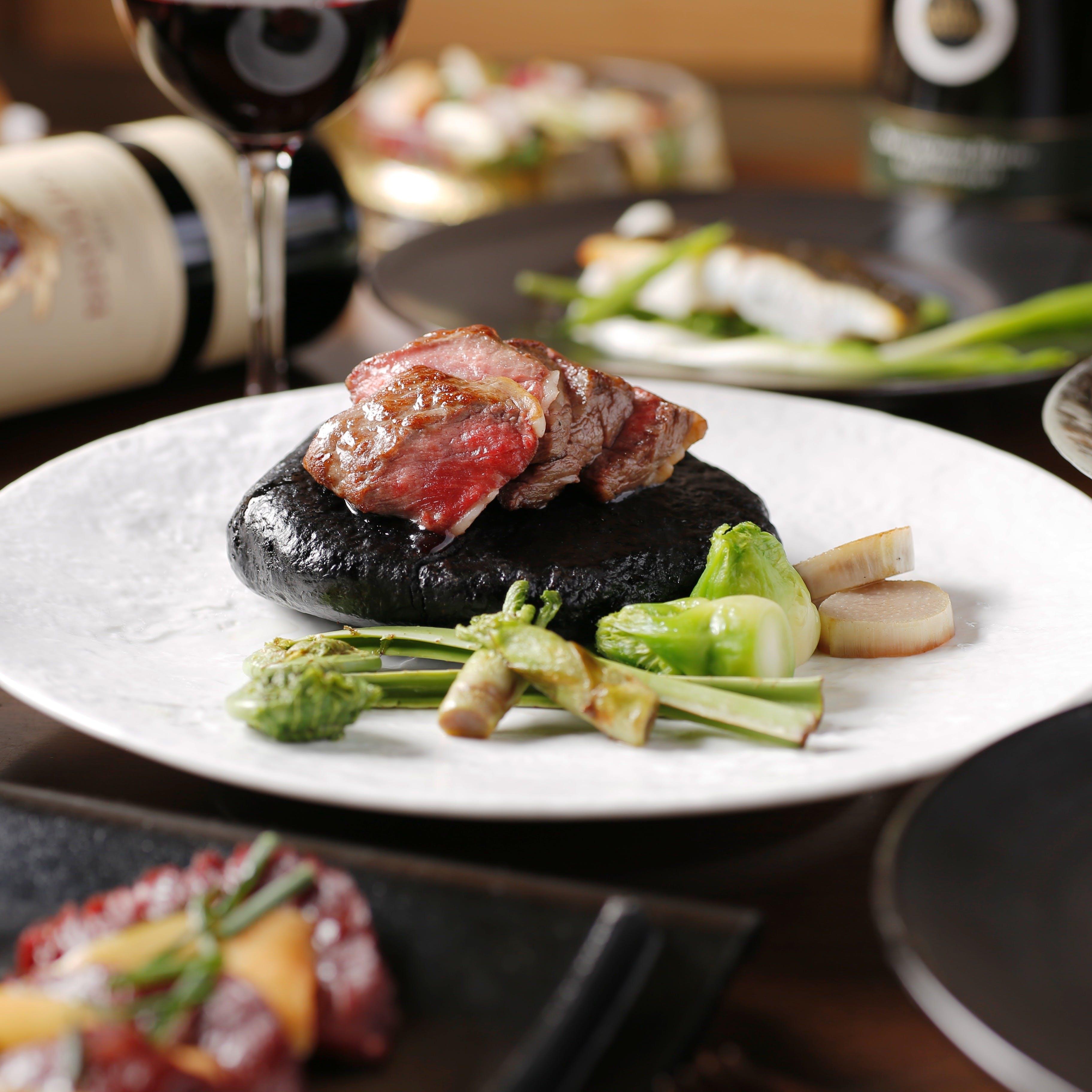 福岡の新鮮な食材を世界各国の調理法で仕上げたワールドワイドなメニュー