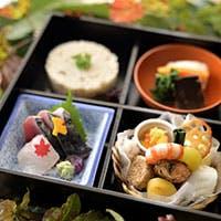 旬の食材、京の粋と食文化、そして繊細で研ぎ澄まされた柔軟な感性と職人の技