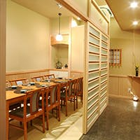 全席個室料亭の雰囲気を映す京間の個室