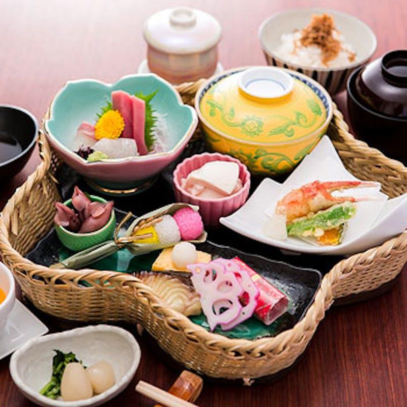 【季節の花籠御膳】焼物、揚げ物など