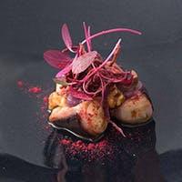 本場イタリアの忠実な伝統料理の再現と、美しさを追求した現代イタリア料理の融合