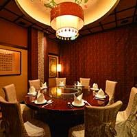モダンチャイニーズの洗練された上質空間 個室はご接待やパーティに最適