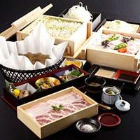 """レアで食せる豚肉""""長崎産 芳寿豚""""や食材を最大限に生かす""""せいろ蒸し"""""""