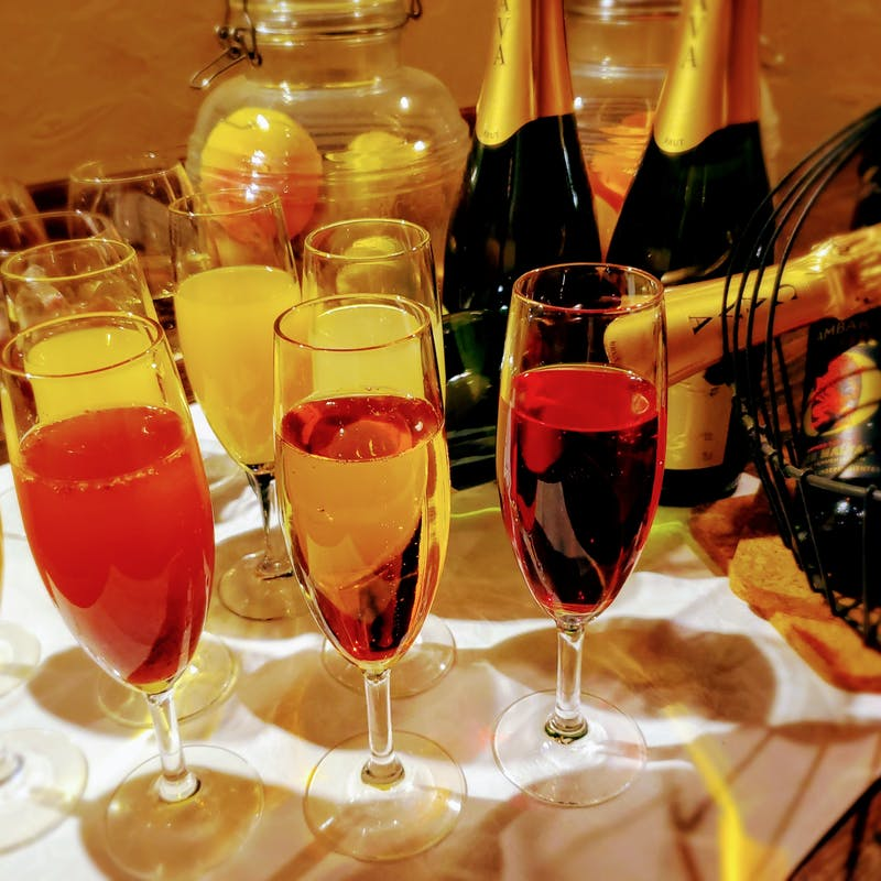 【特典付・席のみ予約】~お食事内容は当日に~+スパークリングワイン含む1ドリンク