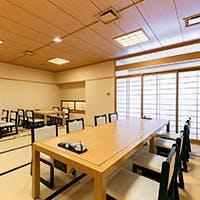 大阪の街を一望できる12階に位置する、中之島の本格日本料理店