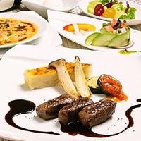 古典フランス料理をベースとした創作フレンチをお愉しみく下さい