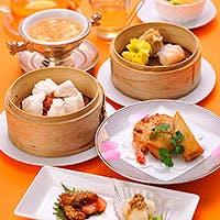 北京料理を基本としながら、四川・広東・上海の特徴ある料理や飲茶を提供しています