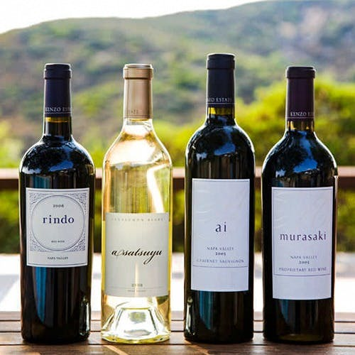 ソムリエが世界各国から厳選した100種以上の上質ワイン
