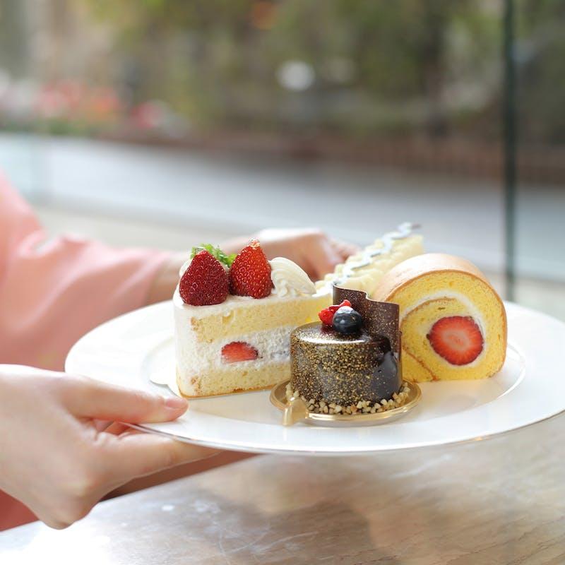 【ケーキセット】7~8種類から選べるケーキ+ティー+1ドリンク