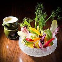 旬の野菜・水産物・お米などにこだわりをもち、その時々の旬の産地から直送