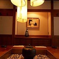 温かみのある木造建築の店内で、ゆったりとした贅沢なお時間を・・・