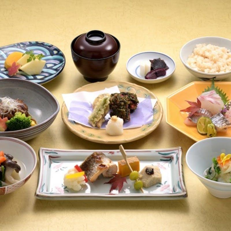 【雲海御膳】前菜、刺身、焚合、焼物、など全8品