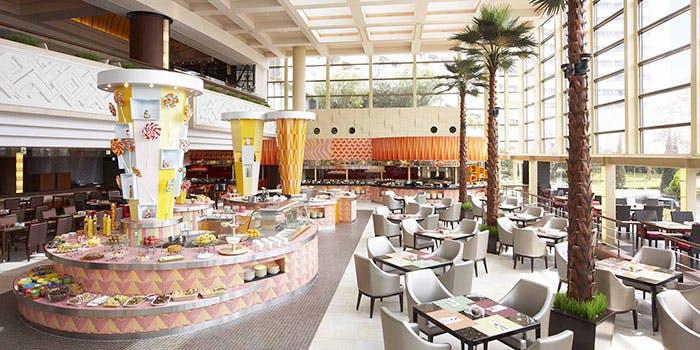 記念日におすすめのレストラン・ブッフェ・ダイニング グランカフェ/シェラトン・グランデ・トーキョーベイ・ホテルの写真1