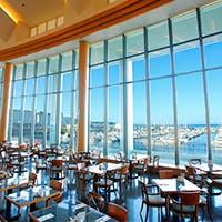小樽港マリーナを一望できる絶景のシーサイドレストラン