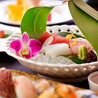 旬の食材を使った和の芸術とも言うべき料理の数々をお楽しみください