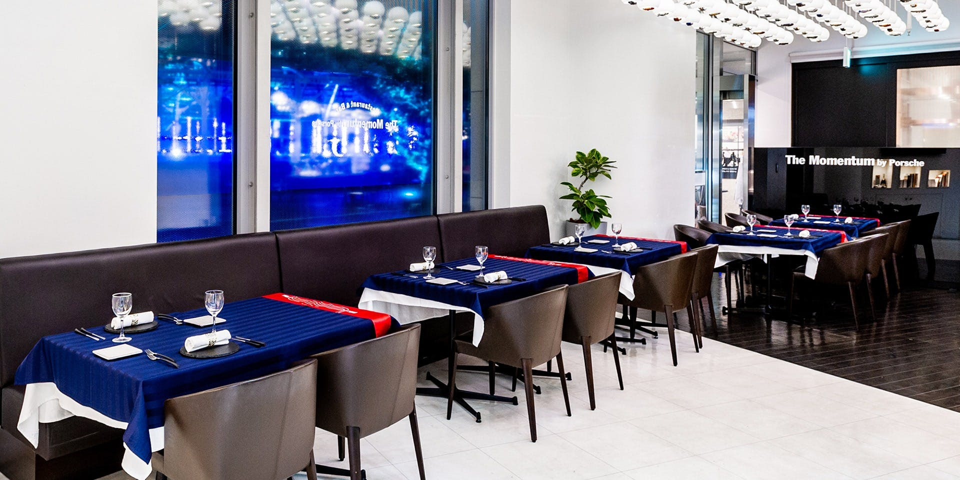 記念日におすすめのレストラン・The Momentum by Porscheの写真1