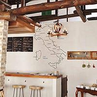 イタリアの田舎の一軒家をイメージした、落ち着いた雰囲気のお店